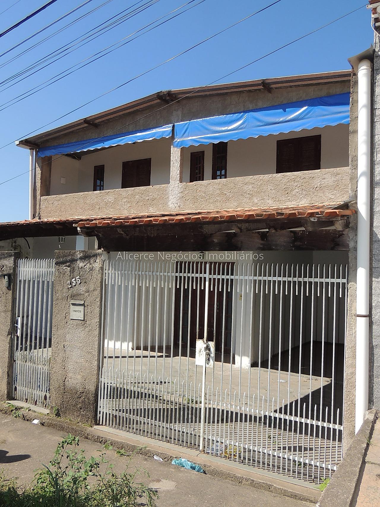 Ref.: 6114 - Casa 4 qtos - Grama
